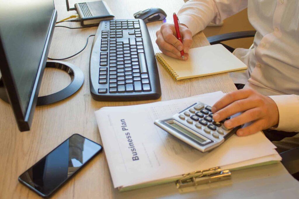 C Mo Se Convirti Realmente Tu T A En Una Profesional De Impuestos